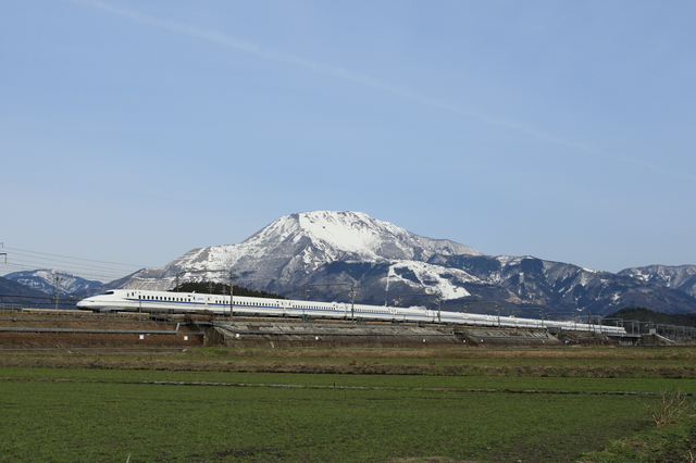 Tokaido Shinkansen with Mount Ibuki in background